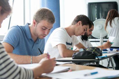 Des élèves pendant un stage d'anglais au CLA