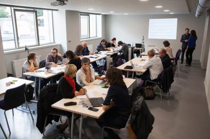Photo d'archive : ateliers lors du lancement du projet Maison universitaire de l'éducation en septembre 2017 à la MSHE