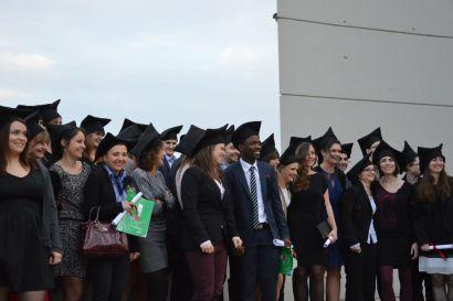 étudiants diplômés