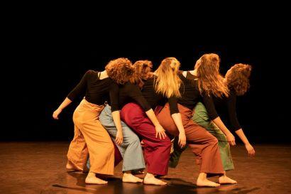 entre-elles_cie-contre-temps-danse