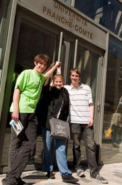 3 étudiants