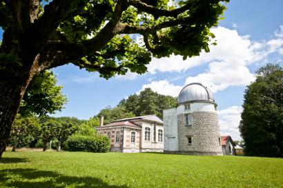 Les bâtiments de la Lunette Méridienne et de l'Astrographe