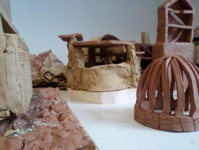 Architecture en terre d'aujourd'hui / réalisation étudiants lycée Ledoux