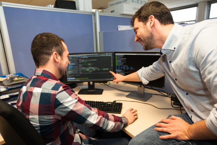 Nel Taurisson désigne un écran d'ordinateur à Corentin Tournoux