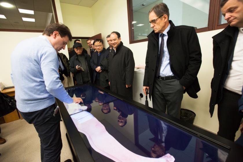 Visite de la délégation chinoise de l'université de Nigbo au laboratoire d'anatomie de l'UFC.