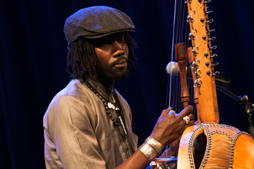 Un joueur de kora sénégalais.