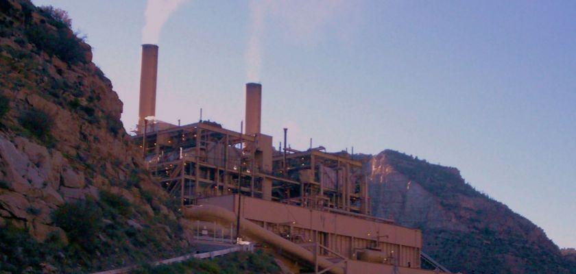 Vue d'une centrale à charbon