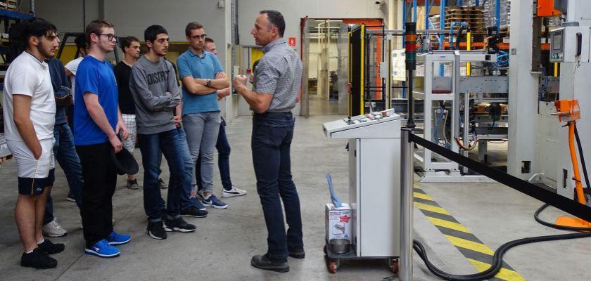 Les étudiants en DUT Génie électrique et informatique industrielle en visite à l'usine Cristel