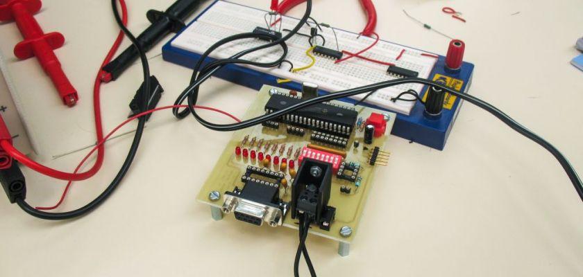 Réalisation d'un banc de test automatique pour sondes intracéphaliques