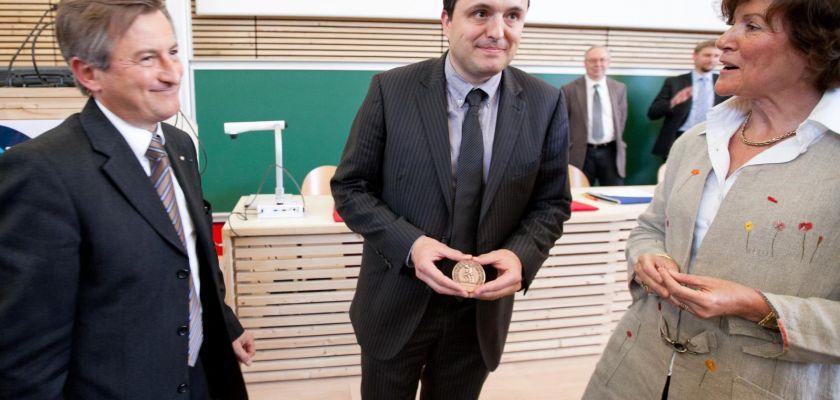 Remise de médaille CNRS Michael Gauthier