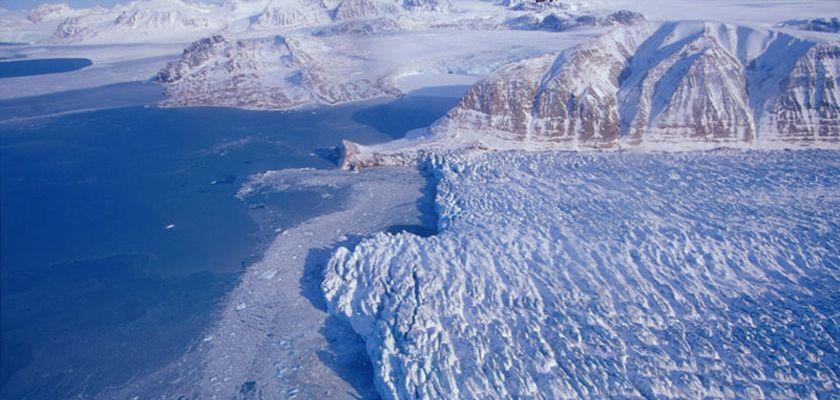 Vue du glacier Loven Est au Spitzberg