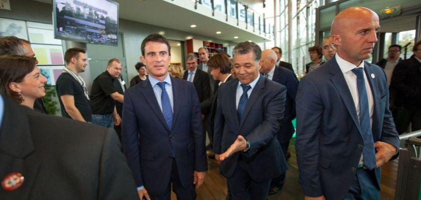 Manuel Valls et Jacques Bahi dans la foule à Temis.