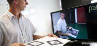 Benoit Piranda fait une démonstration de réalité augmentée.