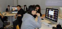 Des étudiants de l'IUT pendant un hackathon