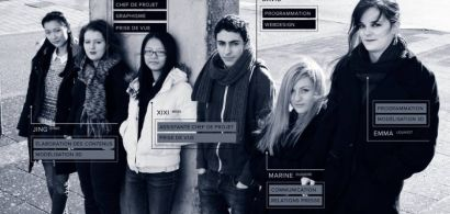 Un groupe d'étudiants, en surimpression comme sur un écran futuriste des textes qui indiquent leurs fonctions.