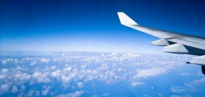 L'aile d'un avion en vol