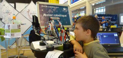 Robotique, informatique, énergie : rendre la recherche accessible aux enfants