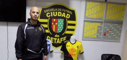 Samy Bouroumana dans les locaux de son club de football en Espagne