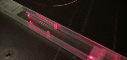 extrait de la vidéo montrant une fibre optique