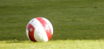 Ballon de football dans un stade