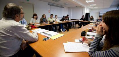 Salle de cours avec éudiants en formation
