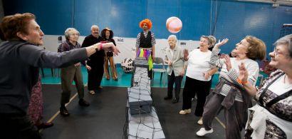 Jeu de ballon pour les personnes âgées