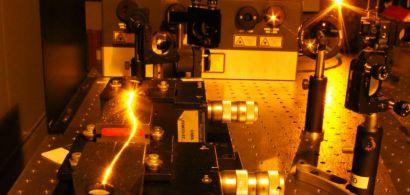 Expérience de diffusion de la lumière dans une microfibre optique