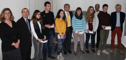 Les gagnants des Olympiades de la chimie en compagnie de l'équipe pédagogique