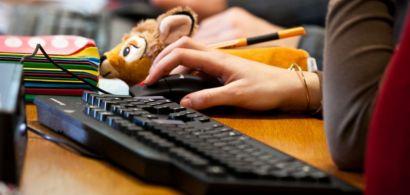 Des élèves en salle informatique