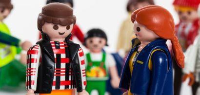 Groupe de figurines Playmobil hommes et femmes