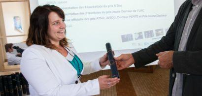 Photo de Charline Meudre lors de la remise du prix A'Doc