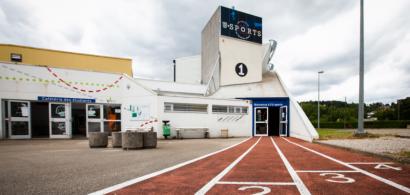 vue extérieure du bâtiment principal de l'U-sports
