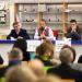 Plusieurs personnalités politiques dont Jacques Bahi au micro devant un public dans la BU sciences et sport.